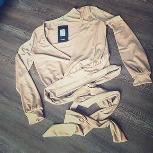 Camel XS wrap around top fashion nova-new w tags